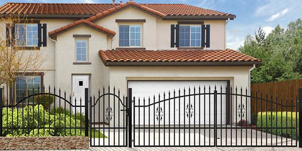 Ogradzamy posesję – kilka wskazówek dotyczących zakupu odpowiedniego ogrodzenia