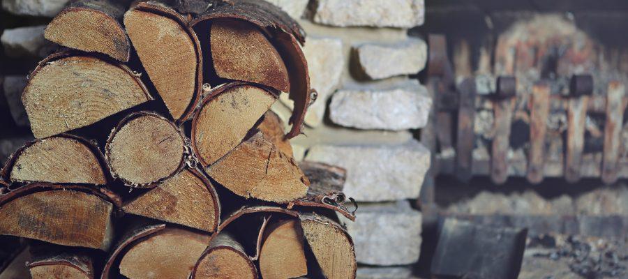 Kilka sposobów na przechowywanie drewna opałowego